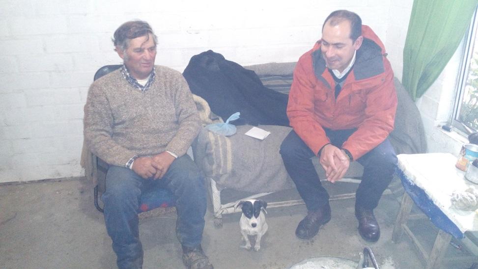 Alcalde visitó a vecino que fue asaltado y maniatado en su casa