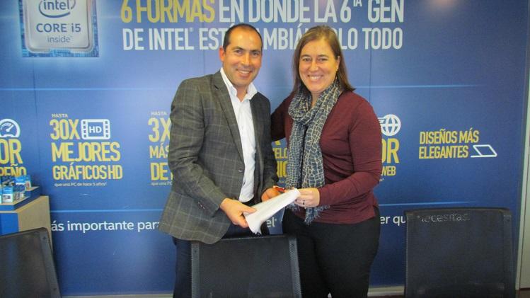 Alcalde de Hualañe firmó importante convenio de colaboración con empresa Intel