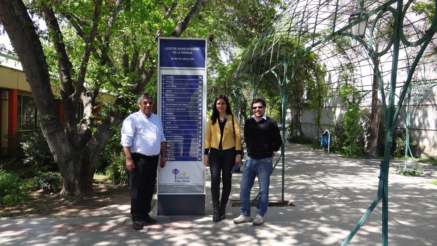 Fructífera reunión en clínica de diálisis de Municipalidad de la Granja en Santiago