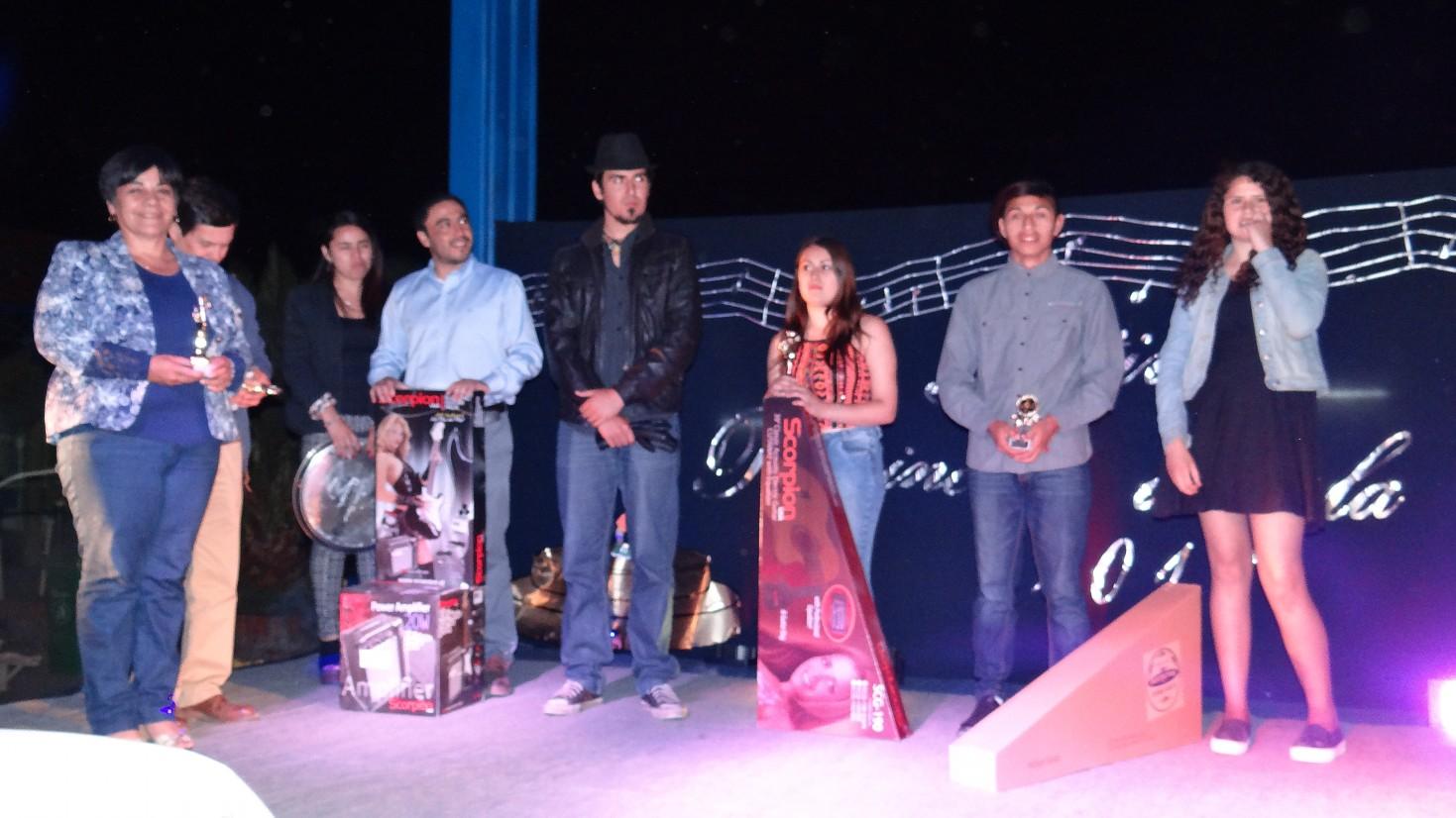 Dos segundos lugares consiguió Hualañe en Festival Provincial Escolar